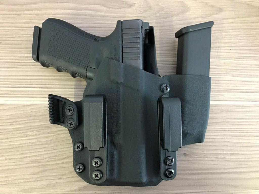Glock 19 & Inforce APLc Dual Clip Kydex Holster